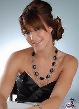Gorgeous Jonelle Brooks exposing her lovely tits